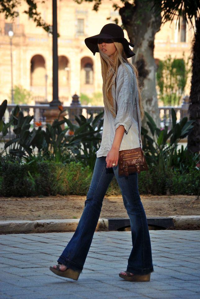 Calca flare jeans sandalia de salto alto powerfull girl