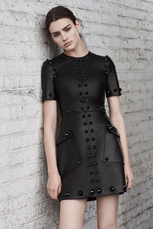 Vestido preto pode ser fashion