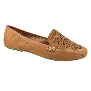 Mix and match: sapatos masculinos com looks super femininos são a combinação perfeita!