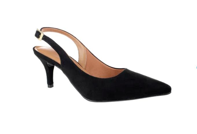 Sapato de Salto Preto para ser usado com Moletom