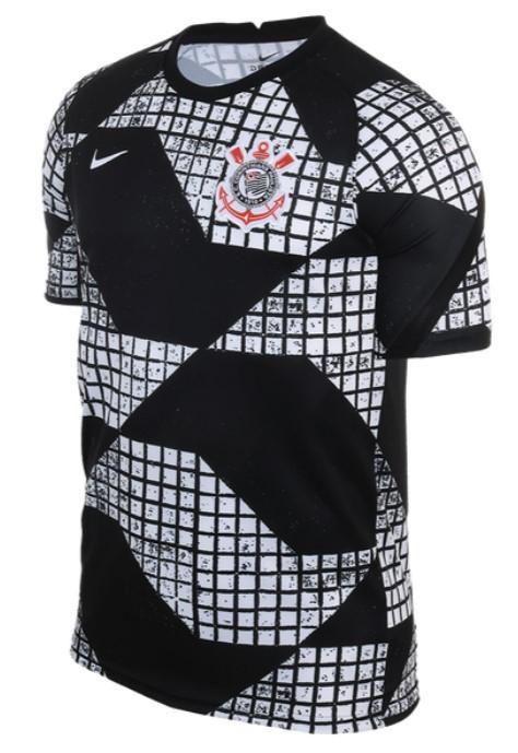 Camisa do time Corinthians, preta e branca.