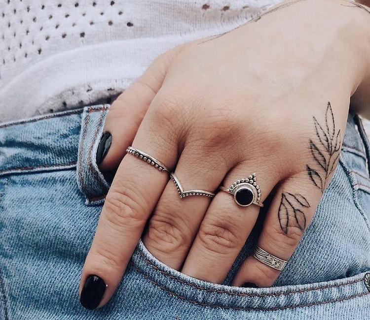 tatuagem na mao
