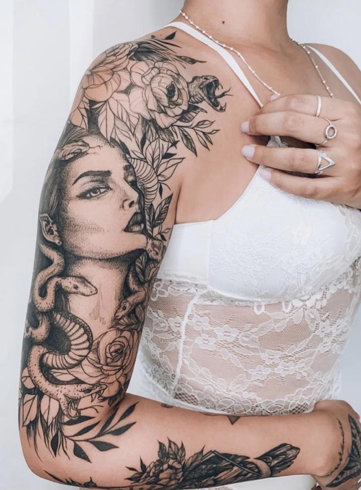 tatuagem feminina no braço
